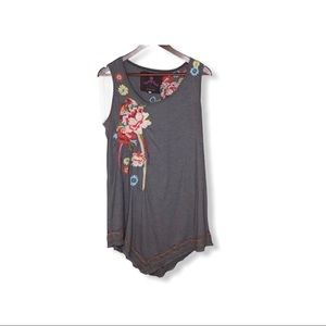 Gray Johnny Was Embroidered Tunic Tank Top.
